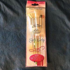 🌈3/$20 Royal&Langnickel Premium Paintbrushes 5pk